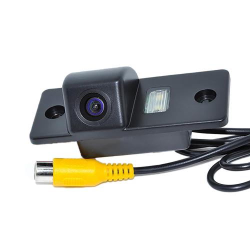 Камера заднего вида на Фольксваген Гольф 5 Carex RV-050 с сенсором CCD Sony